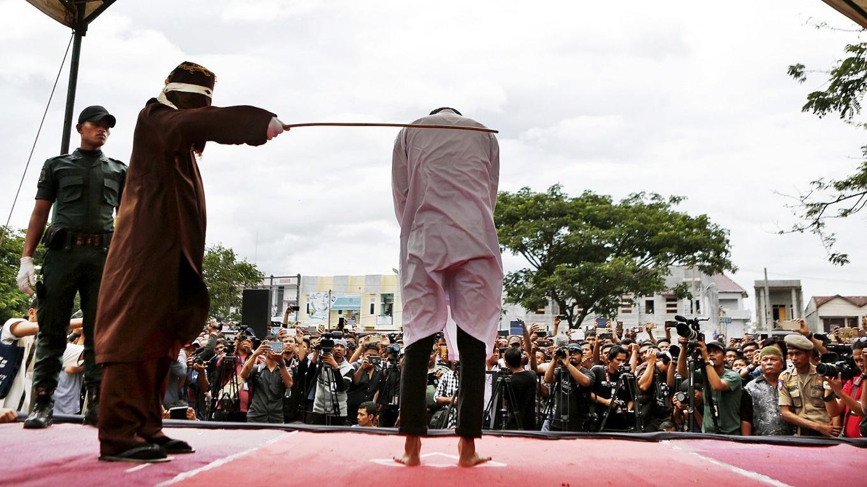 Наказание за измену в саудовской аравии фото