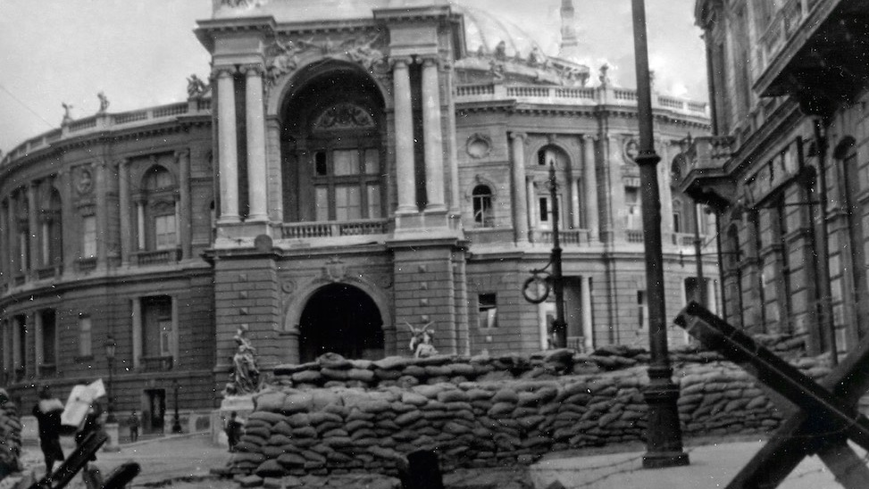 opera-theatre.history-defence_2-Cropped.jpg