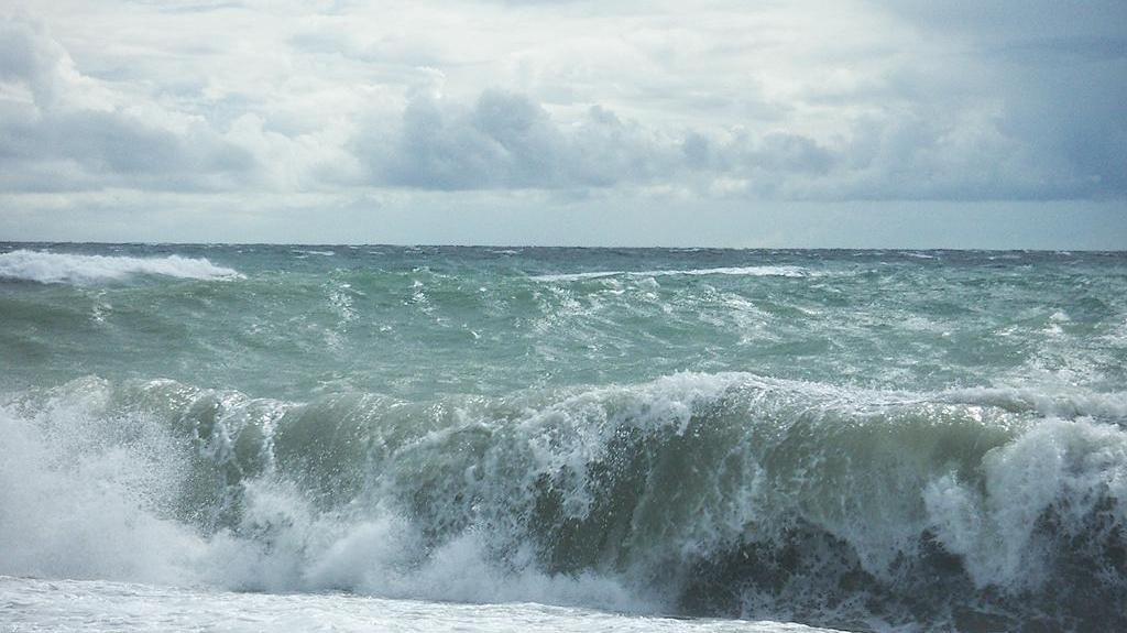 море в разную погоду в разное время суток фото