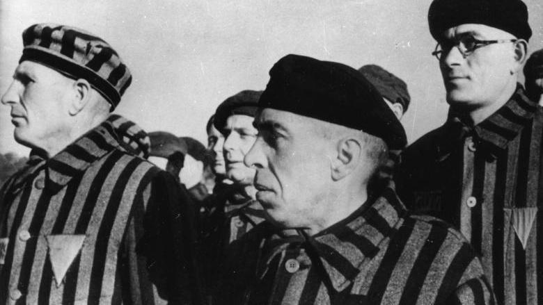 Haeftlinge-im-KZ-Sachsenhausen-Foto-Cropped.jpg